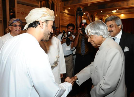 Former India President Meets with EO Oman